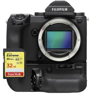 Fujifilm GFX 50S telo + battery grip + 32GB SanDisk